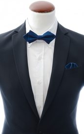 Diamond tip Bow Tie and Handkerchief Navy