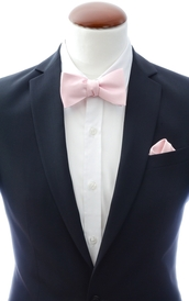 Extra light pink self-tie bow tie and handkerchief silk