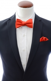 Light red self-tie bow tie and handkerchief silk