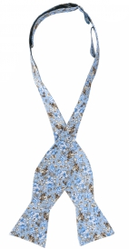 Oknuten Fluga Floral | Light Blue Brown