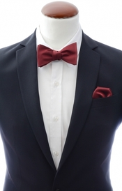 Burgundy self-tie bow tie and handkerchief silk